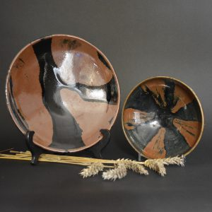 Robert McPherson Antiques - A Fine Shoji Hamada Stoneware Dish with a Black Tenmoku Glaze with a Trailed Russet Design c.1965 and