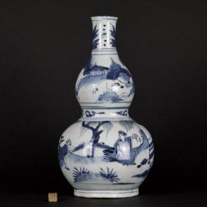 A Transitional Porcelain Double Gourd Vase, Chongzhen Period - Robert McPherson Antiques - 26112